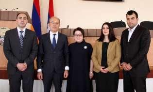 Ваграм Балаян принял членов фракции «Процветающая Армения» Совета старейшин Еревана