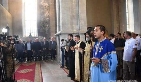 Церемония крещения в храме Святого Всеспасителя Казанчецоц