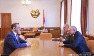 Президент Республики Арцах Бако Саакян принял секретаря Совета безопасности Республики Армения Армена Григоряна